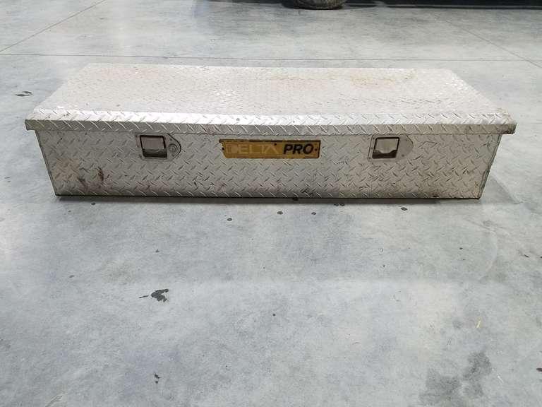 Delta Pro Tool Box 48W x 21D x 10.5H