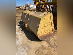 Caterpillar 3.5 yard loader bucket, 7ft. Width