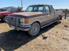 1989 Ford F-250 XLT Ext. Cab Pickup