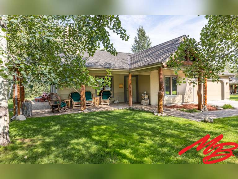 UNDER CONTRACT-19 Jack Lackey Lane, Red Lodge, MT