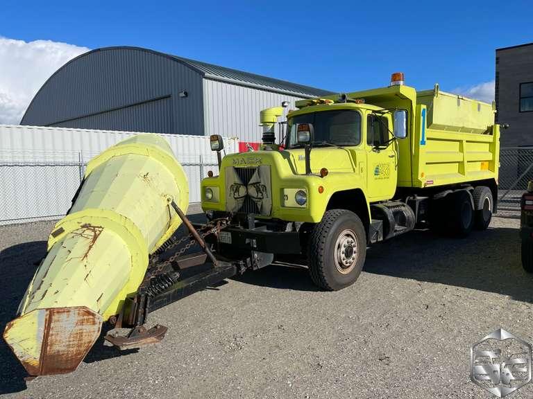 17K Mile Surplus Dump Truck/Snow Plow