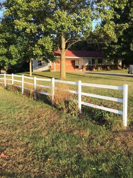 10+/- ACRES WITH COUNTRY HOME & POTENTIAL BUILDING SITE OFFERED IN 2 TRACTS! WARSAW, IN