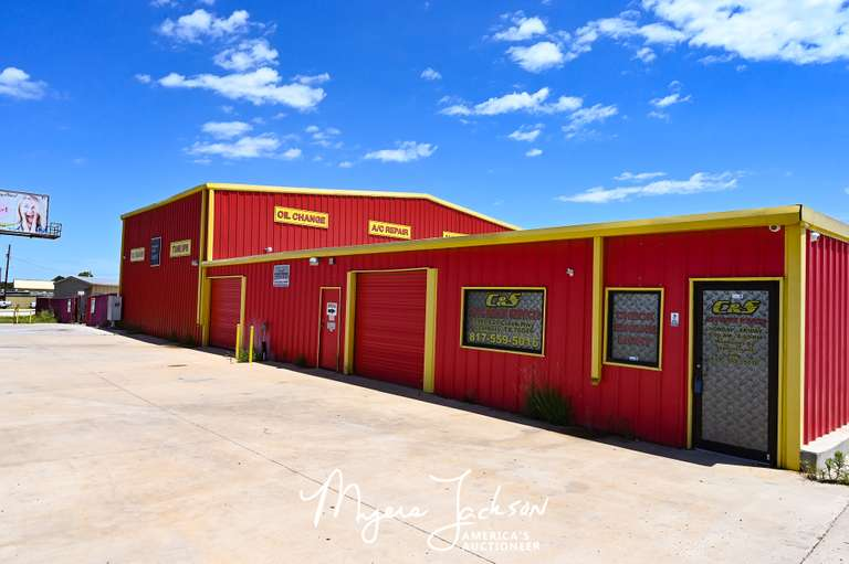 Granbury Texas Mechanic Shop and Units