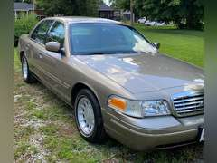 Ford Crown Vic, Antiques, Appliances, Household, Yard-Garden, Tools
