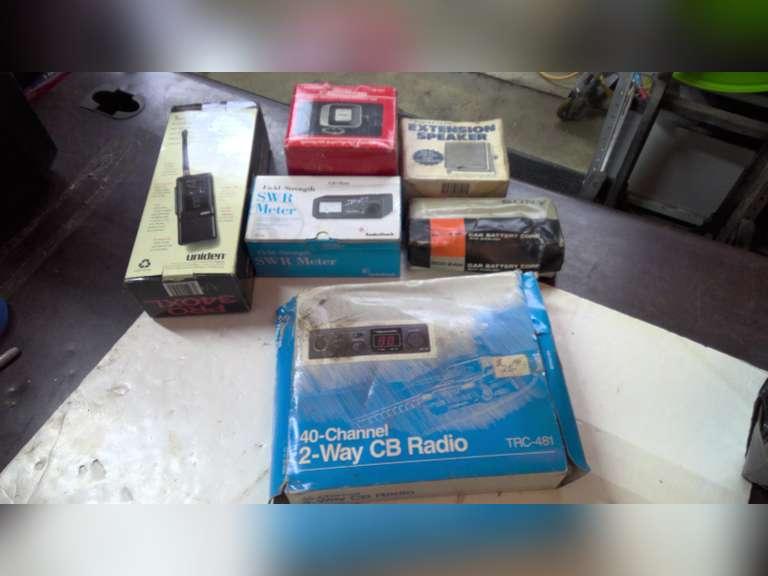 CB RADIO STUFF & MISC ELECTRONIC STUFF, UNTESTED, REALISTIC, LAFAYETTE PA-40 MOBILE AMPLIFIER!!!!!!
