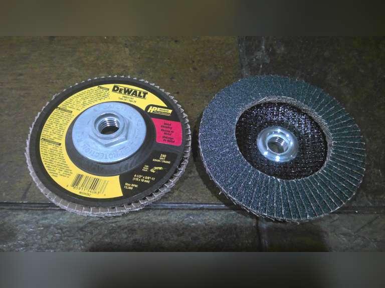 2 NEW DEWALT 4 1/2 INCH FLAP DISC