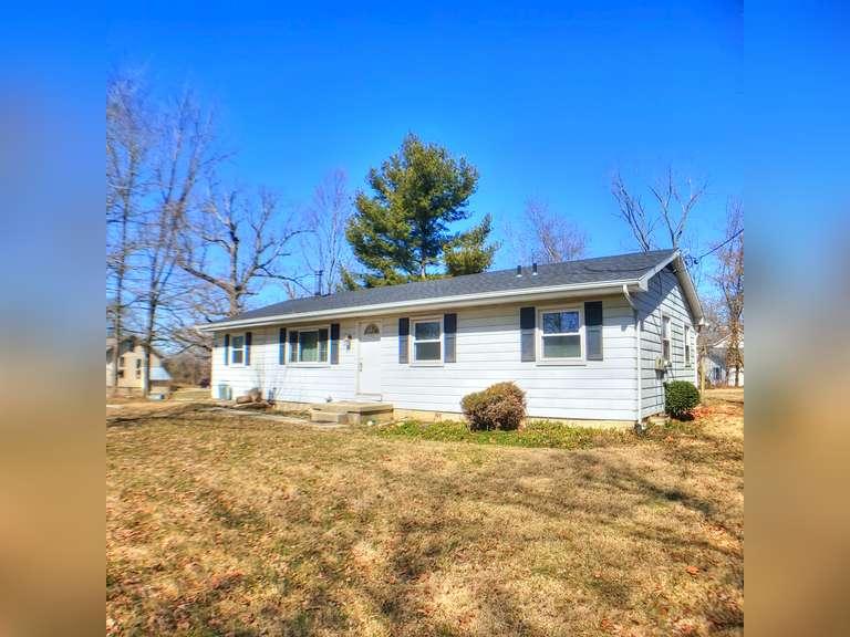 4 Bedroom Home w/Full Basement - Clifton, OH