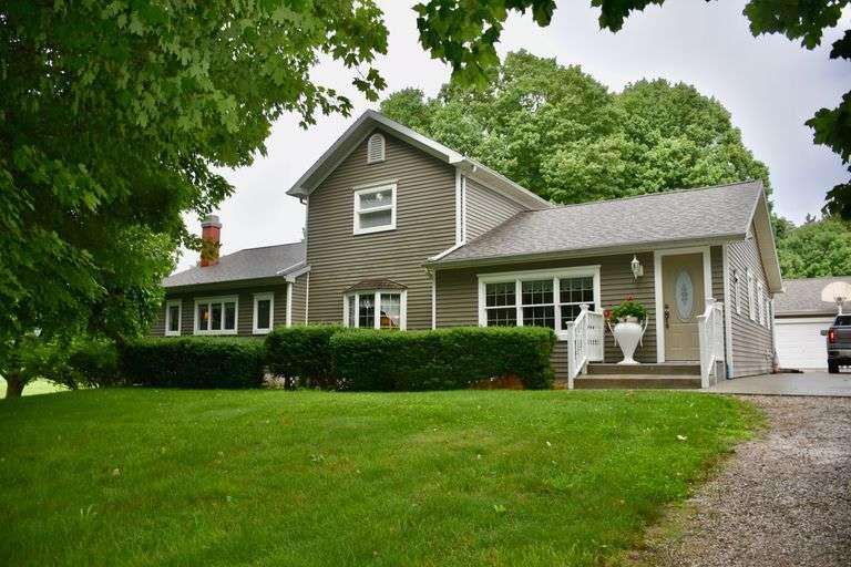 Real Estate Auction, Stan Venton Estate, Marie Venton, Owner - Saturday August 28th @ 12:30 P.M.