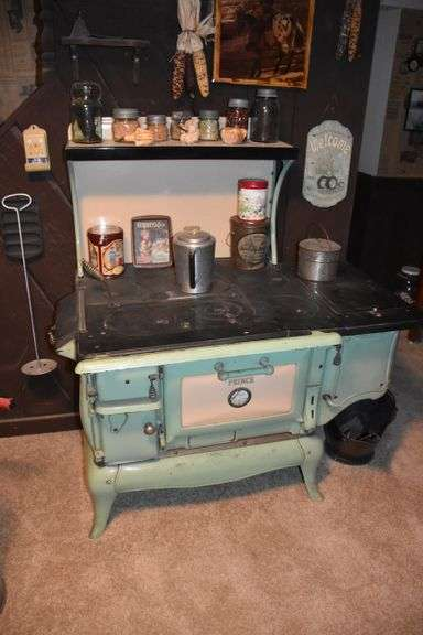 Large Auction Mr. and Mrs. Cliff Oles, Saturday Morning, October 9th @ 9:30 A.M.