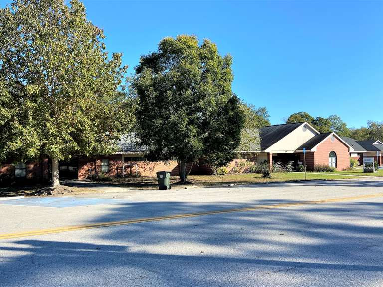 Commercial Office Complex, 6000+ sq ft Metter, GA
