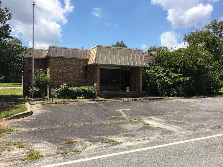 Commercial Building, 3300+ sq ft Metter, GA