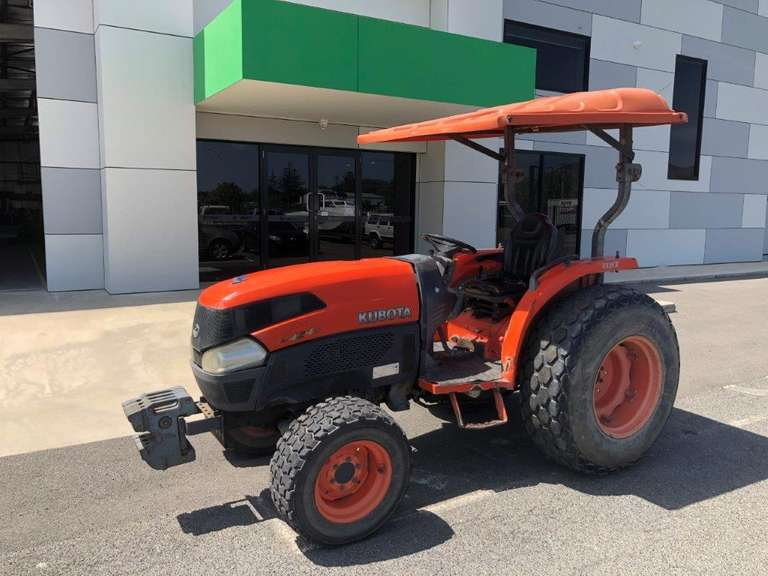 Kubota L4240 Tractor