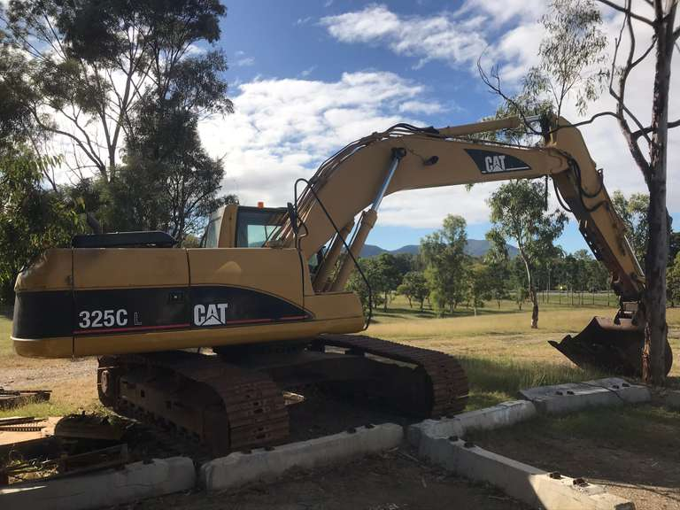 ONLINE AUCTION - 2004 Caterpillar 325CL 25T Excavator