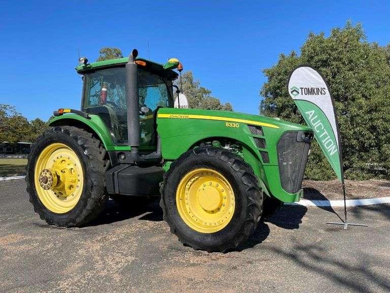 2006 John Deere 8330 4x4 Row-Crop Tractor