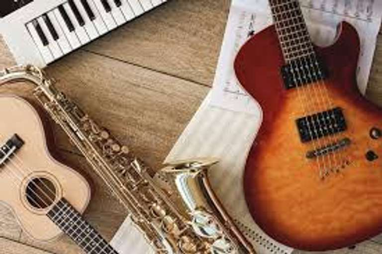 MUSICAL & INSTRUMENTS