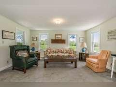 510 Acres, Home, Ponds, Farmhouse, Outbuildings in Linn County!