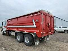 2004 International 7500 Heavy Vehicle